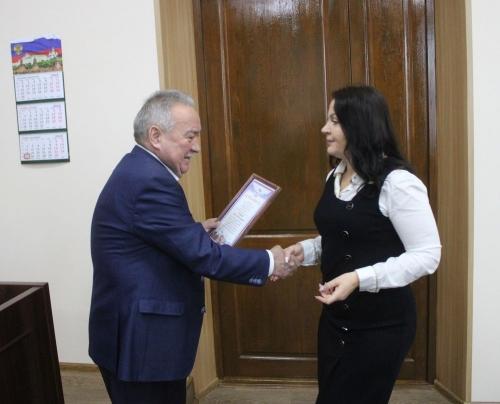 Спасибо за работу! Депутата Кунашакского района благодарит спикер областного парламента