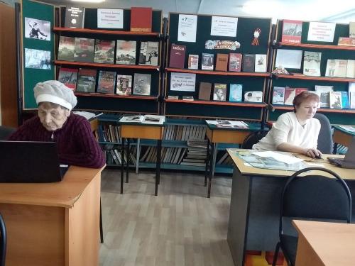 С «мышкой» в руках. Кунашакские пенсионеры осваивают азы компьютерной грамотности