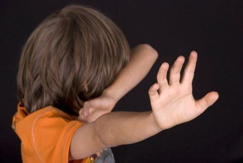 Когда отец – изверг. Житель Кунашакского района ответит перед судом за издевательства над ребёнком