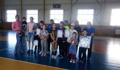 Мама, папа, я… В Кунашакском районе спортом увлекаются целыми семьями